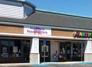 A crowded Nevada County Republican Party headquarters in Grass Valley, CA