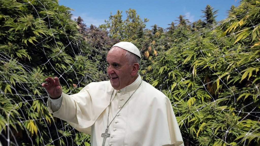 Pope Francis among a large grow. Source: AP.