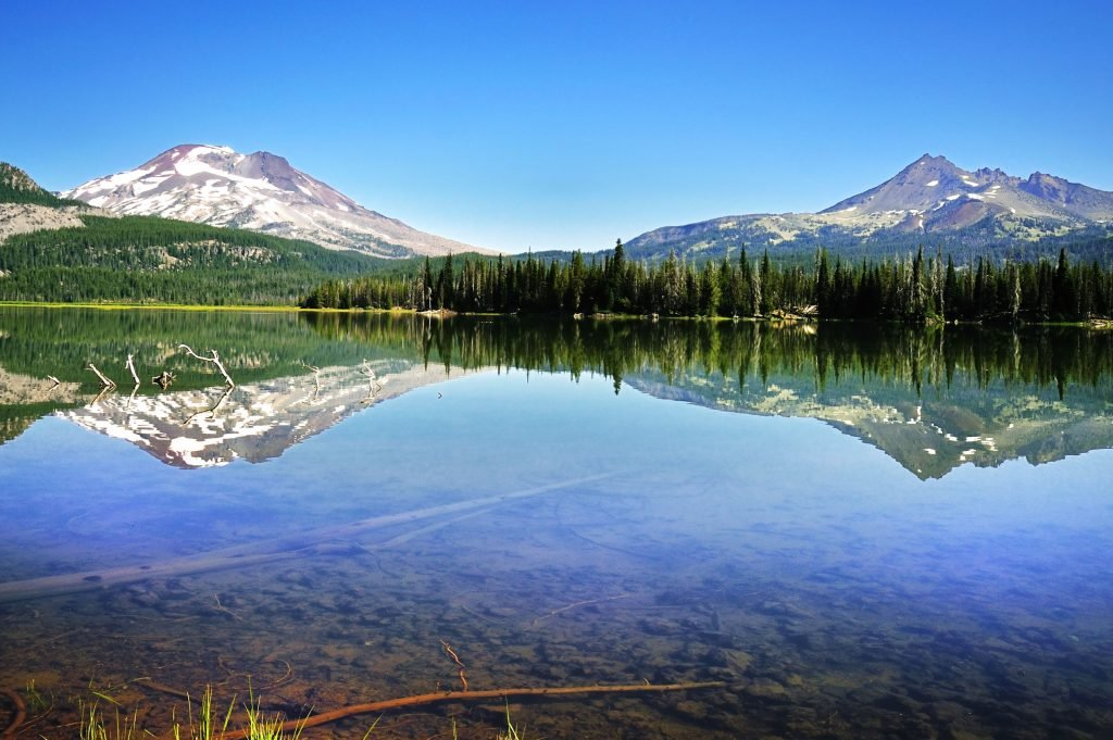 Where the city of Bend, Oregon should be, there is only trees and a lake.