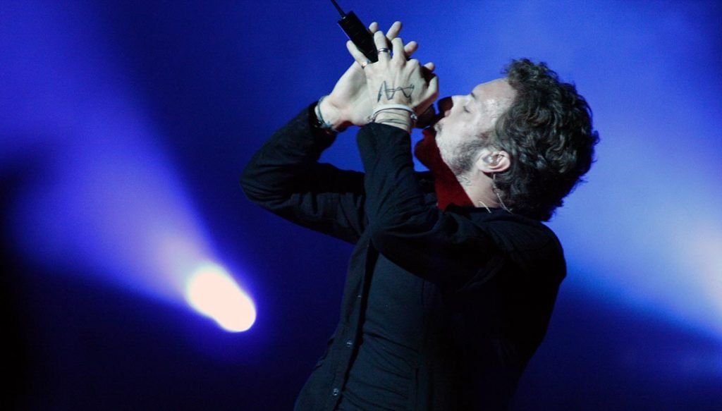 Coldplay's Chris Martin promises not to put the Super Bowl crowd to sleep.