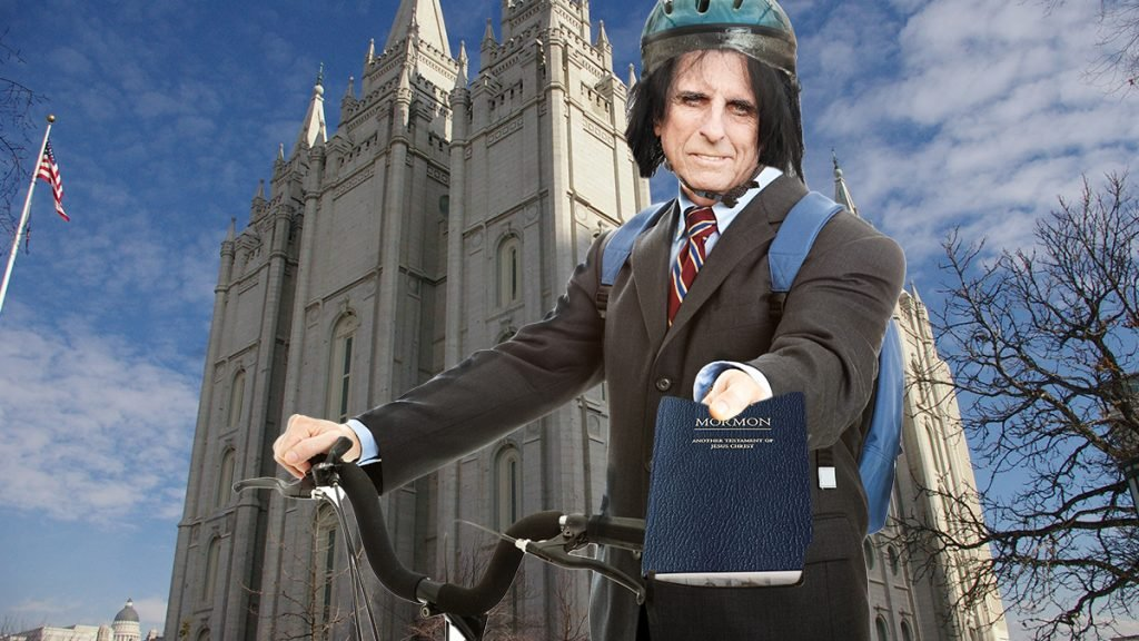 Veteran rocker Alice Cooper has re-joined the Mormon church.