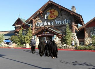 "Bass Pro Shops Are going to offer ""how to identify Islam"" workshops."