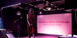 The First Lady of the United States entertained a Wisconsin bar for over 20 minutes with various karaoke favorites.
